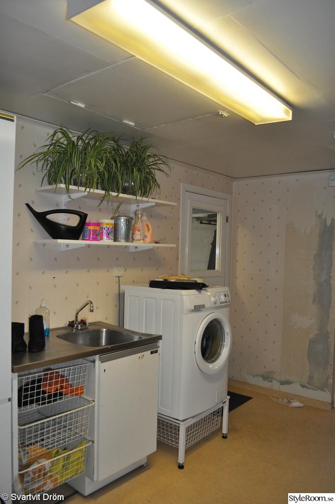 tvättstuga,tvättmaskin,grovkök,hylla,groventre,hall,renovering
