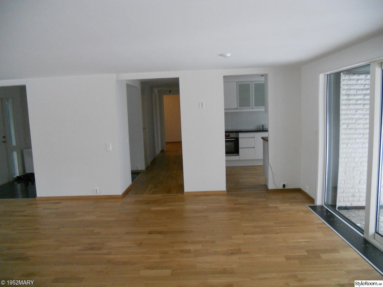 vardagsrum golv klart