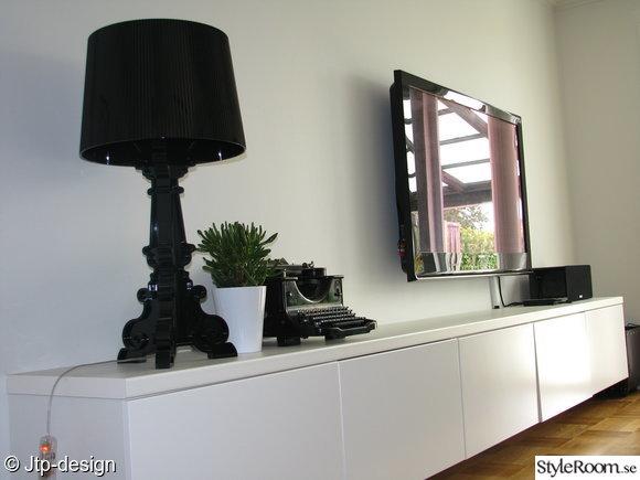 tv-bänk,lampa,kartell,skrivmaskin,växt,kruka,tv,faktum,svart,vitt