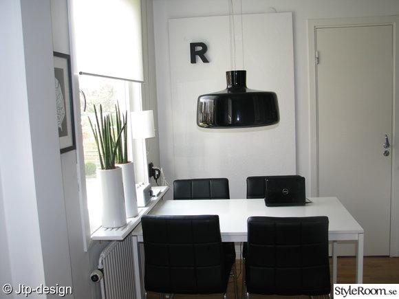 kök,stol,mio,ikea,bokstav,mdf,lampa,svart,by rydéns,krukor,växter,tavla,webonized,vitt,matplats